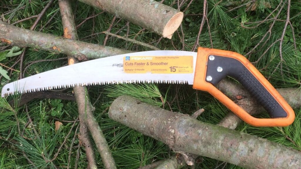 How to Use a Tree Pruning Saw
